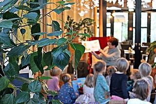 Vorlesepaten in der Biosphäre Potsdam
